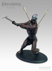Статуэтка THE LORD OF THE RINGS: Uruk-Hai Berserker Statue 1:6