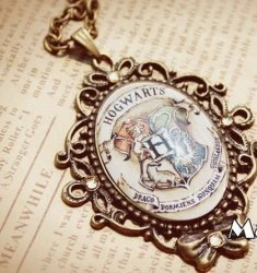Медальон Harry Potter Hogwarts