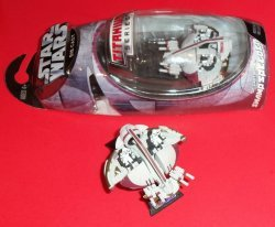 Фигурка Hasbro STAR WARS RED SWAMP SPEEDER - 2005
