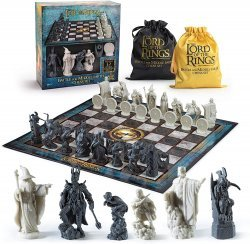 Шахматы Властелин колец Lord of The Rings Battle for Middle Earth Chess Set (The Noble Collection)